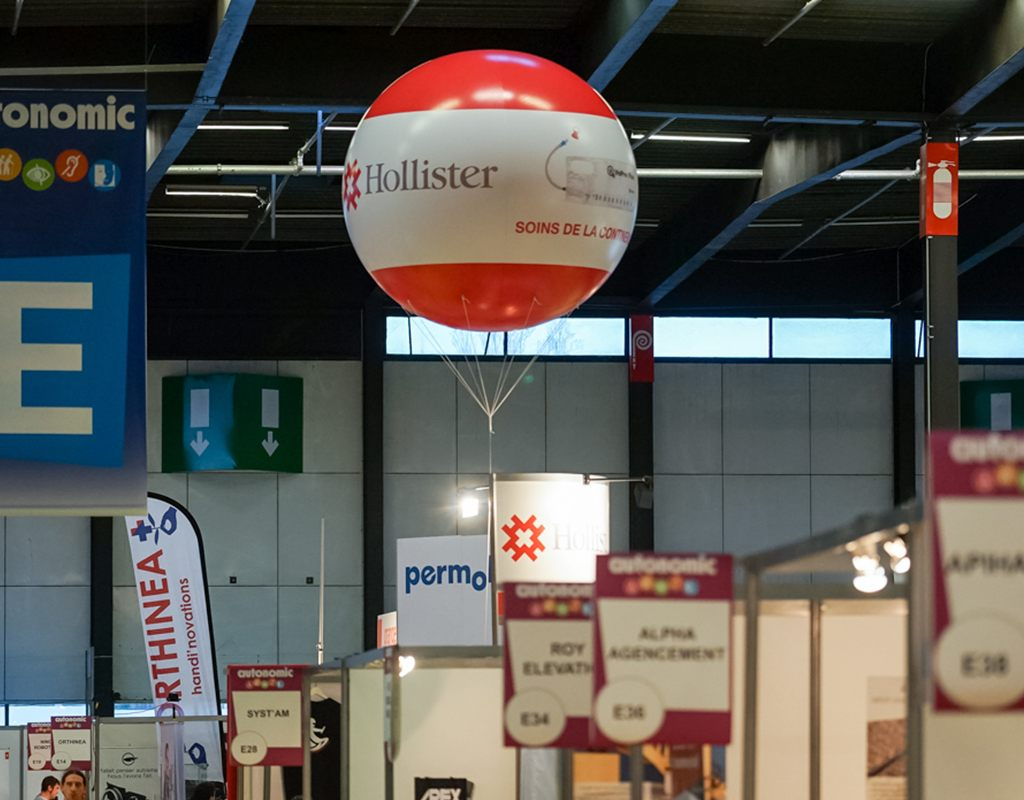 Ballon hélium Hollister sur le salon Autonomic